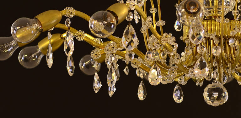 Very Richly Decorated Austrian 1950s Chandelier By Lobmeyr