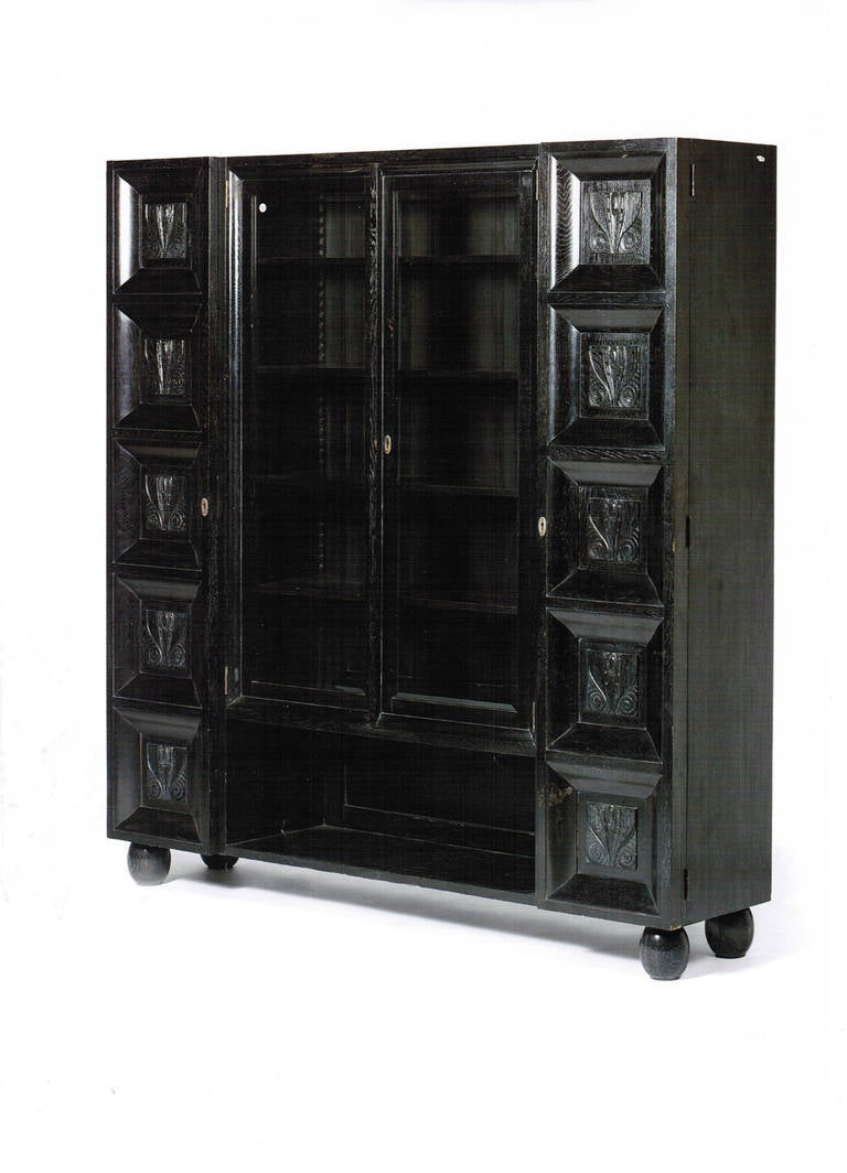 Very rare cabinet from the short period when the Wiener Werkstätte has had its own cabinet makers workshop in the Neustiftgasse in Vienna. Attributed to Koloman Moser or Emanuel Margold. Punched locks and original key! Literature: Sotheby's Fine