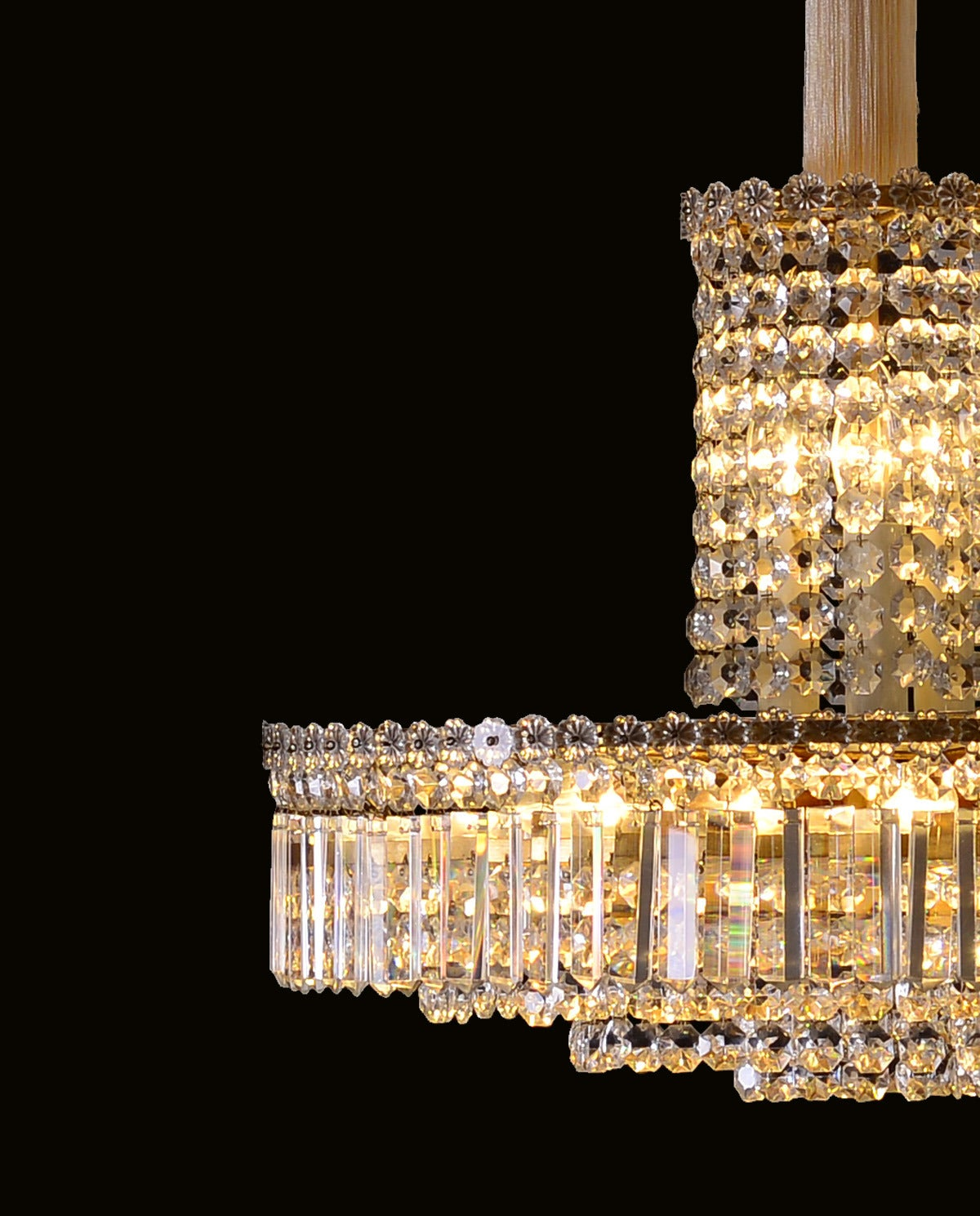 An unusual ten flames parlor chandelier with excellent glass-hangings. The indicated height is just the chandelier itself.