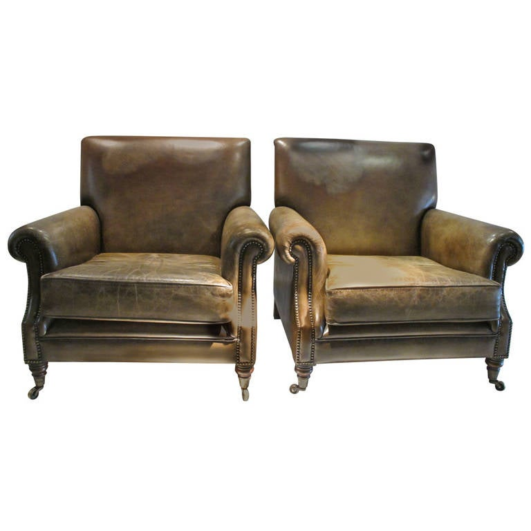 Pair of Large Leather Club Chairs 1