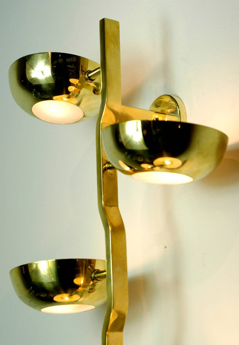 Italian Sculptural 1950s Brass Wall Light In The Manner