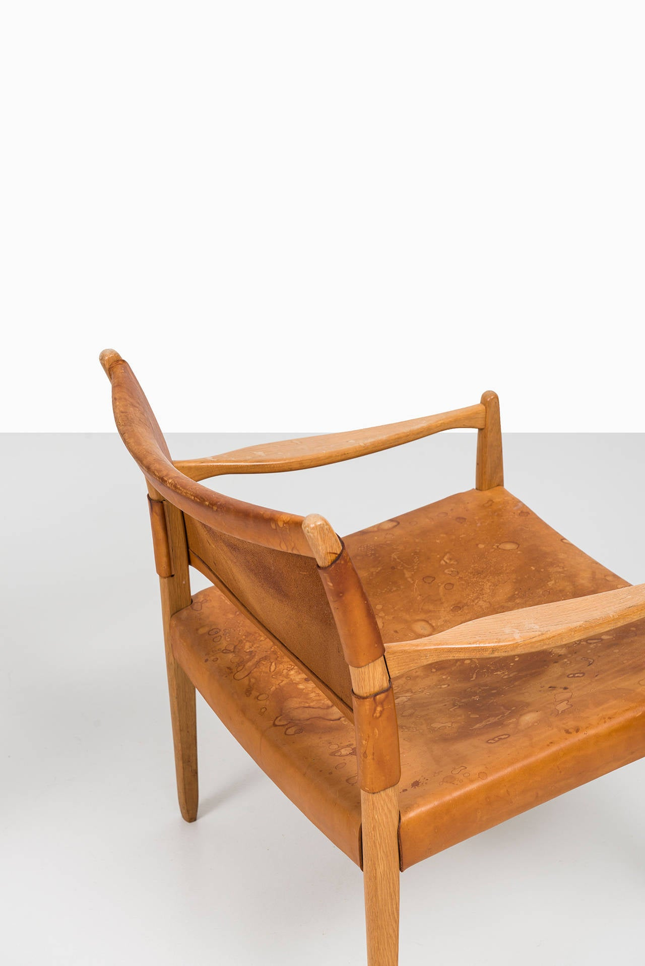 Per-Olof Scotte easy chairs model Premiär produced in Sweden In Excellent Condition In Malmo, SE