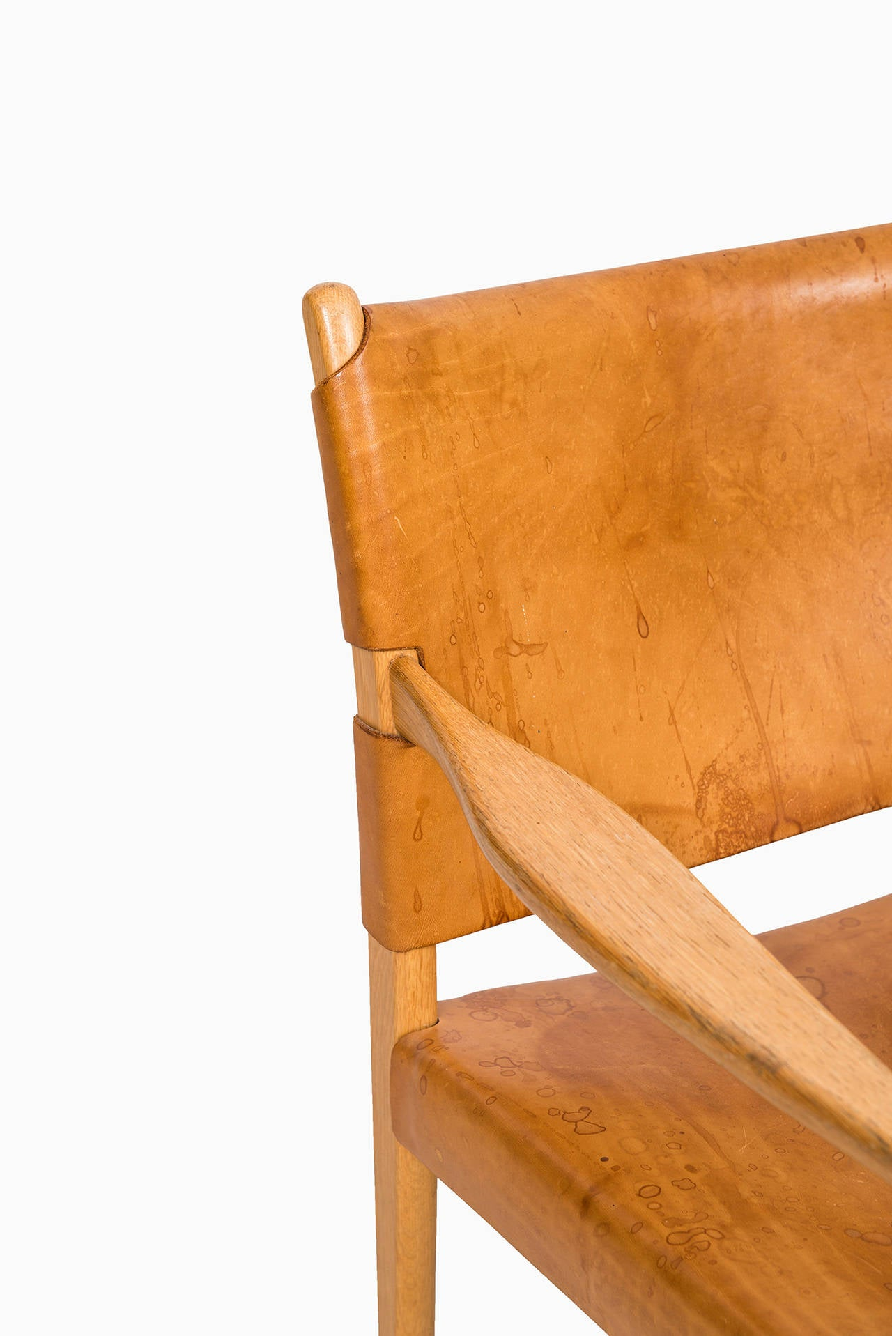 Leather Per-Olof Scotte easy chairs model Premiär produced in Sweden
