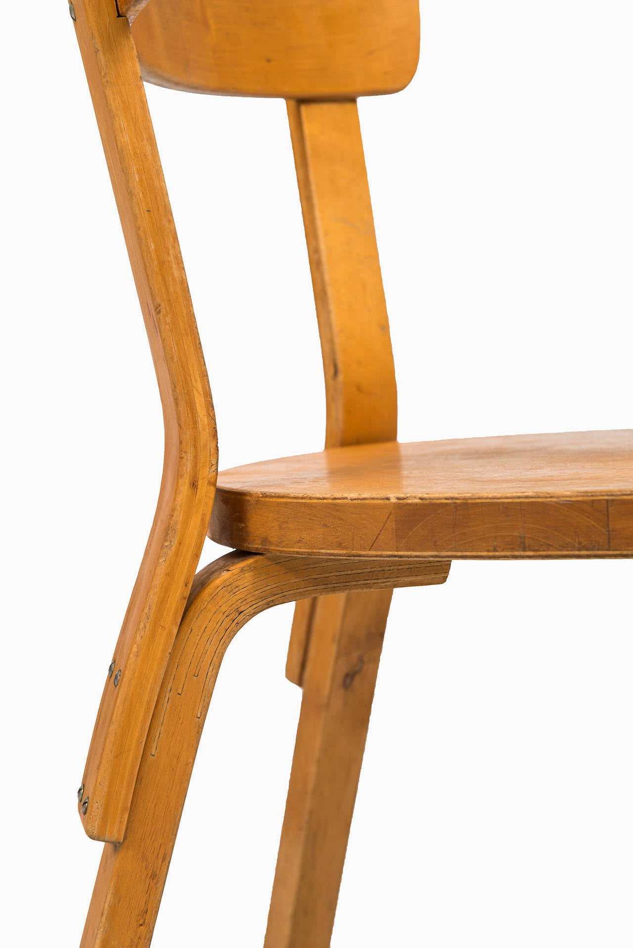 Alvar aalto dining chairs model 69 by artek in finland at for Alvar aalto chaise