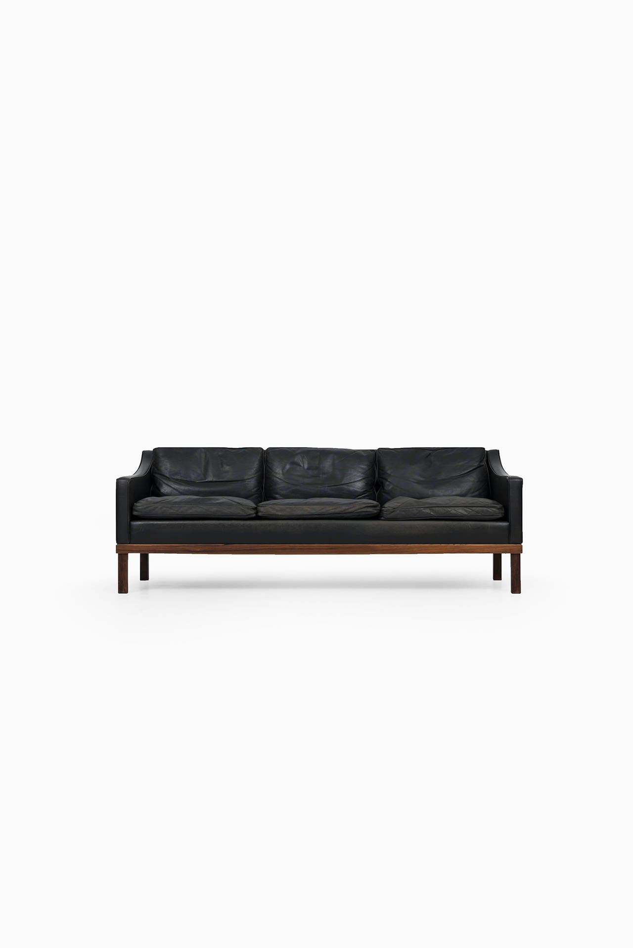 Mid-Century Modern Ib Kofod-Larsen leather sofa by OPE in Sweden For Sale