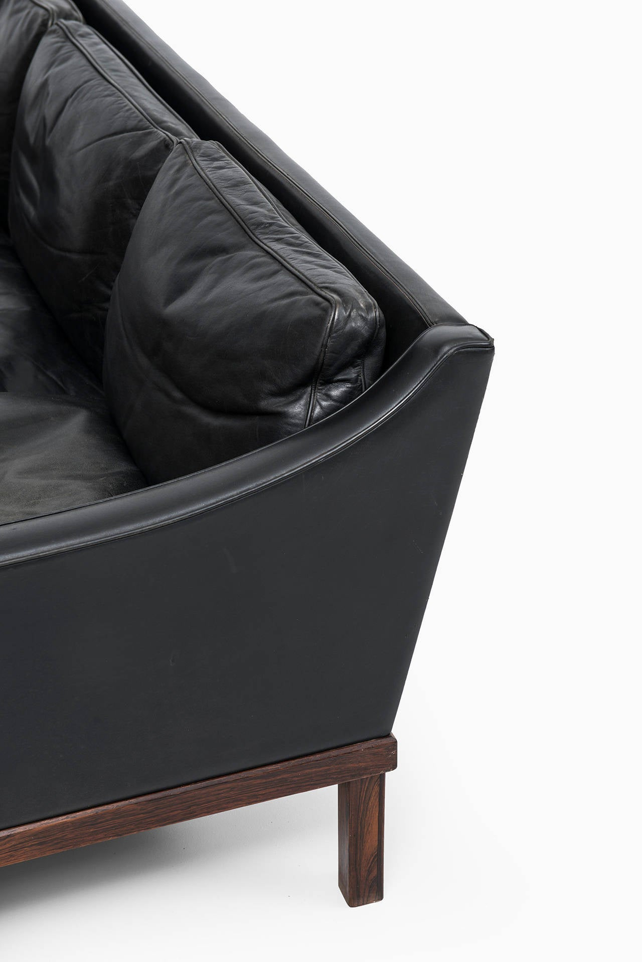 Ib Kofod-Larsen leather sofa by OPE in Sweden For Sale 2