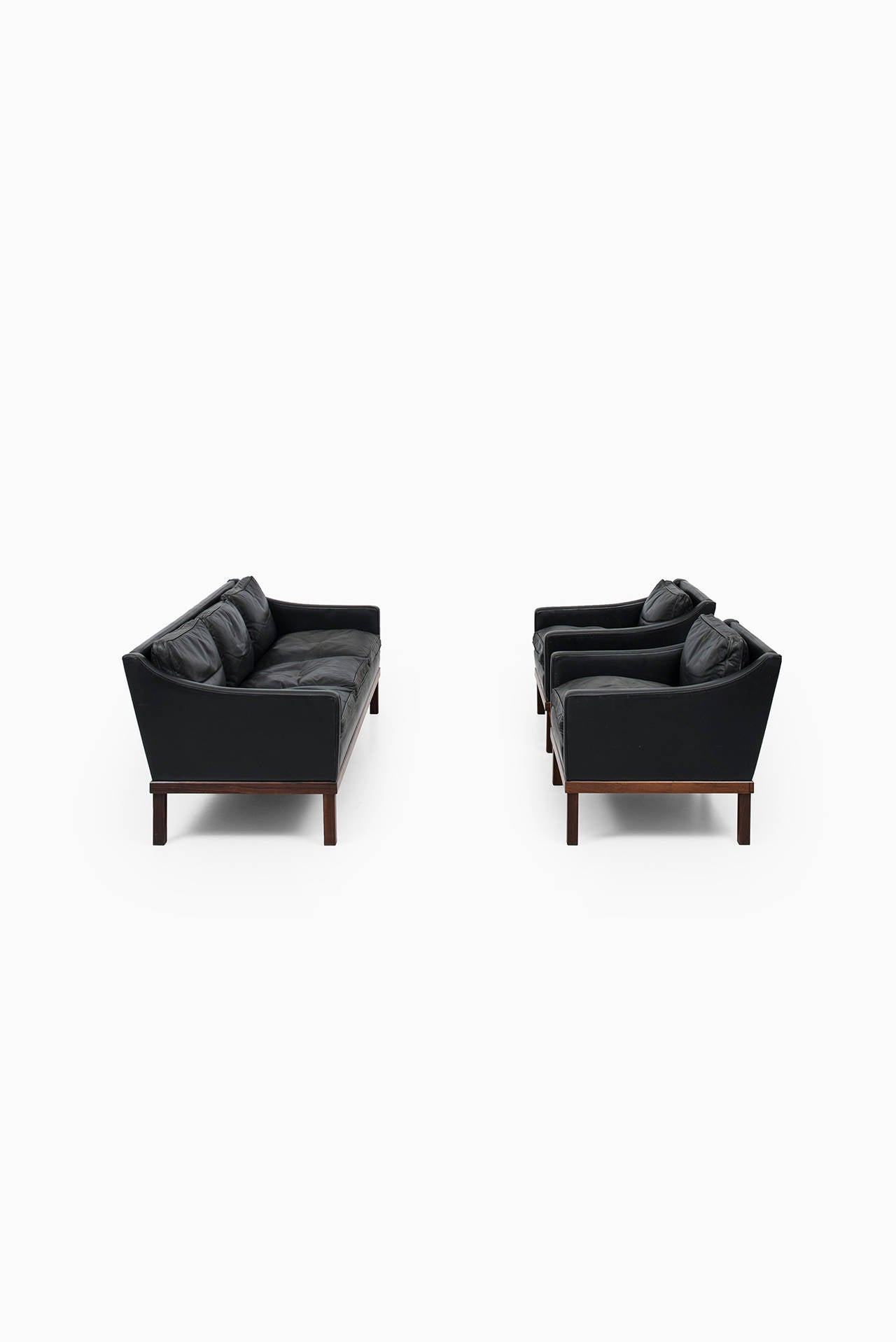 Ib Kofod-Larsen leather sofa by OPE in Sweden For Sale 3