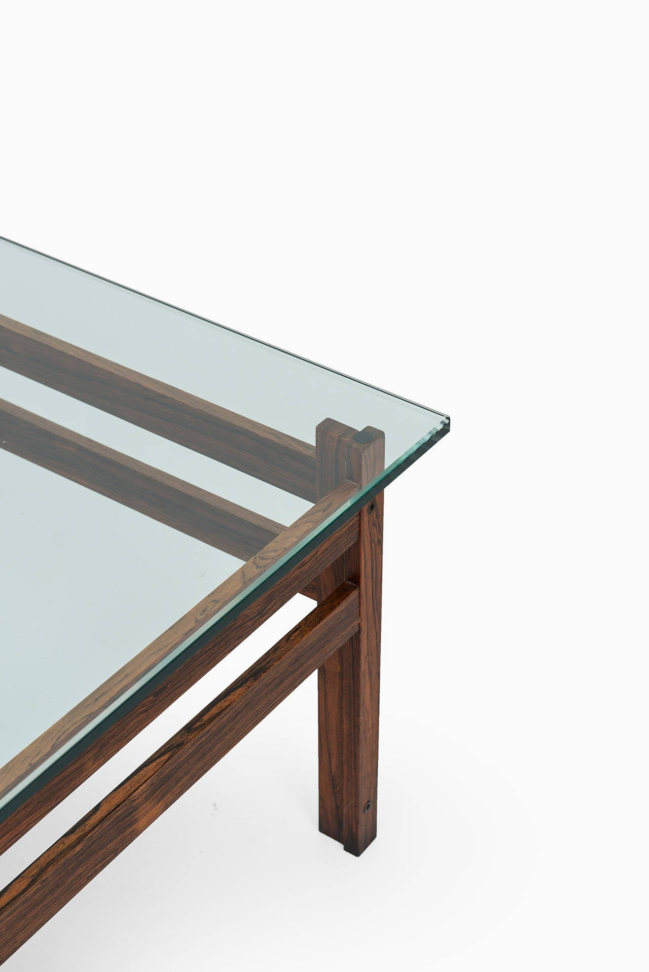 Mid Century Coffee Table In Rosewood With Thick Glass Top For Sale At 1stdibs