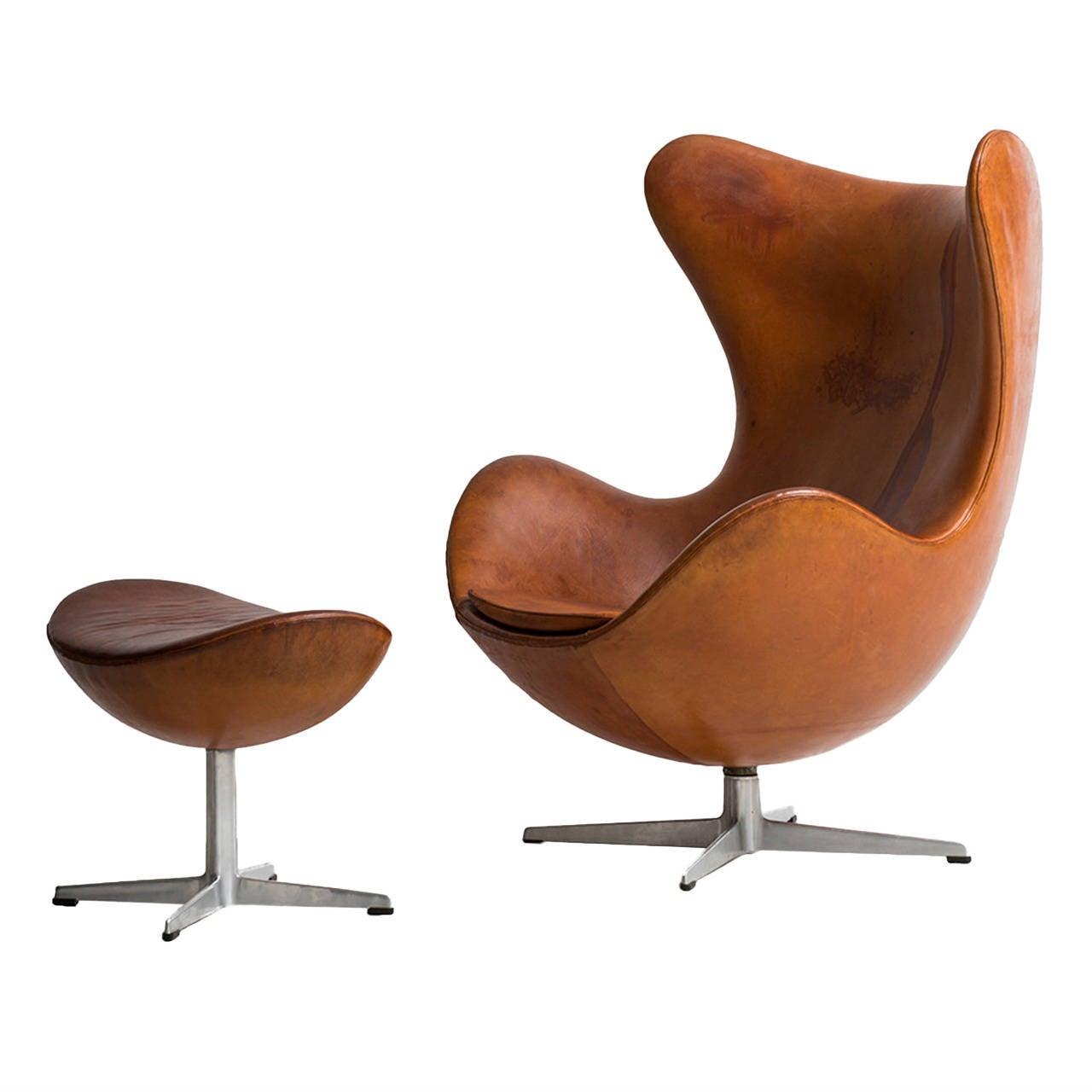 arne jacobsen egg chair in original cognac brown leather by fritz hansen at 1stdibs. Black Bedroom Furniture Sets. Home Design Ideas