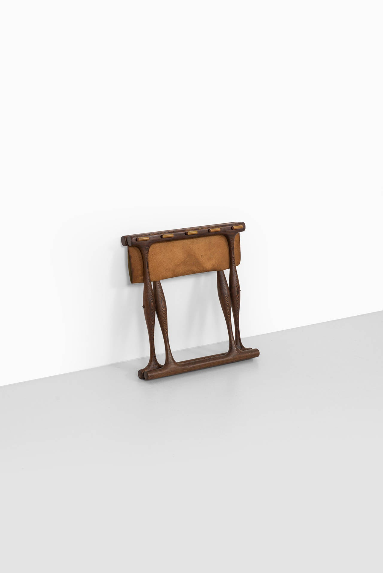 Poul Hundevad Stool, Model Guldhøj (PH 43) in Wengé and Olive Leather For Sale 3