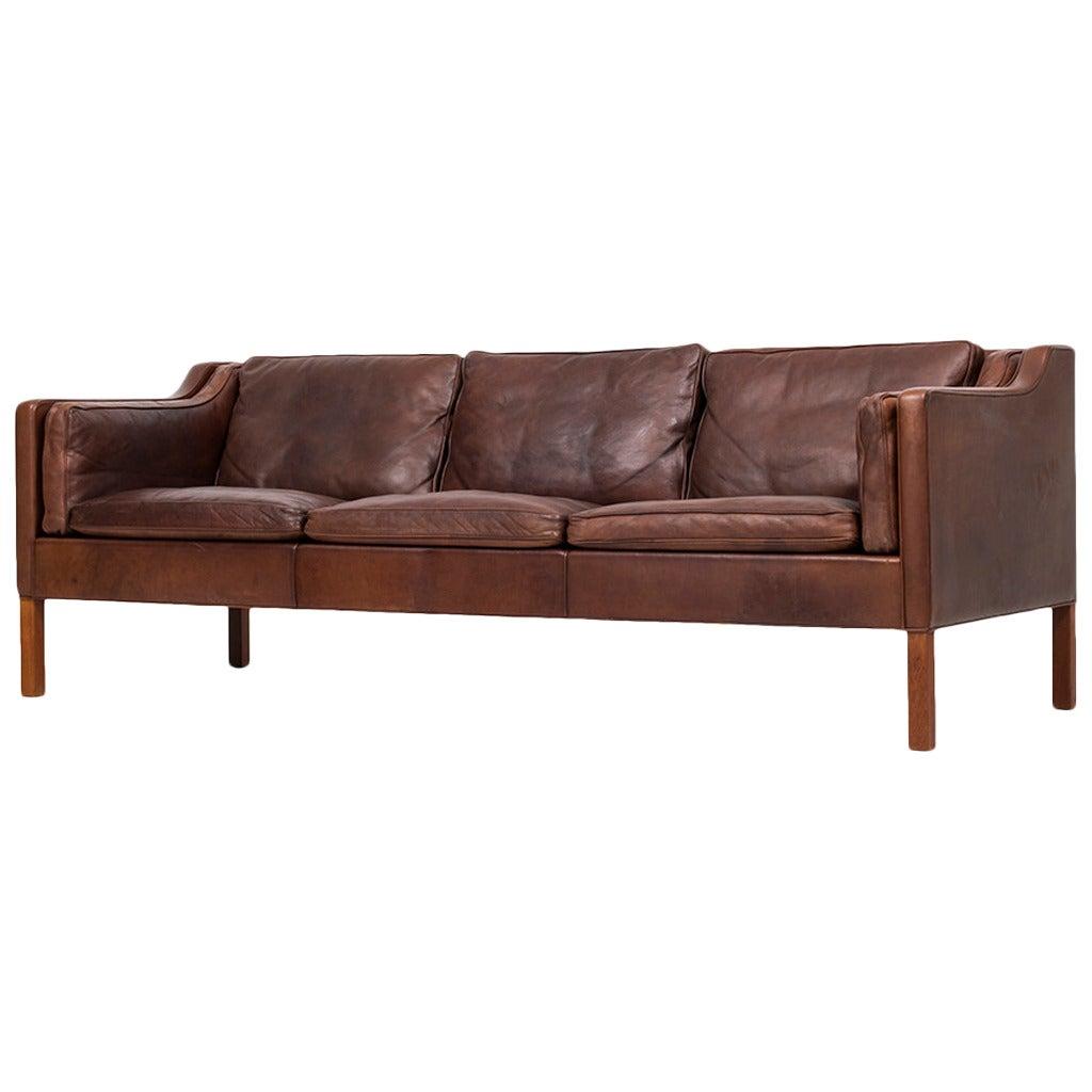 b rge mogensen sofa model 2213 by fredericia in denmark at. Black Bedroom Furniture Sets. Home Design Ideas