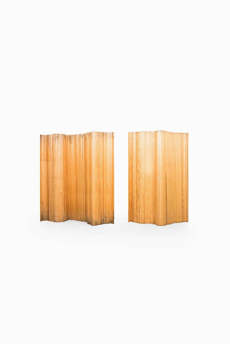 Mid-20th Century Alvar Aalto Screen in Pine Produced by Artek For Sale