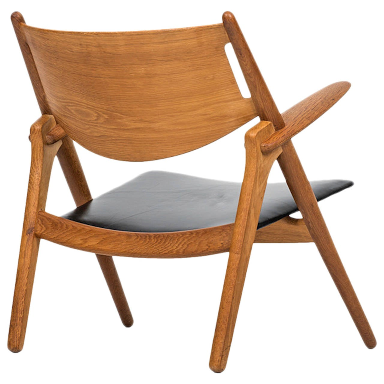 Hans Wegner Easy Chair, Model CH-28, Produced by Carl Hansen & Søn in Denmark
