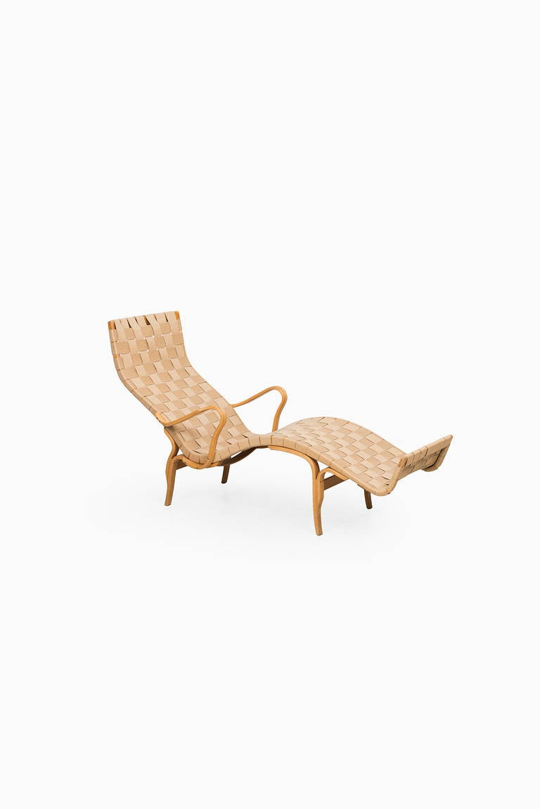 Bruno Mathsson Pernilla Lounge Chair by Karl Mathsson in Sweden For Sale 2