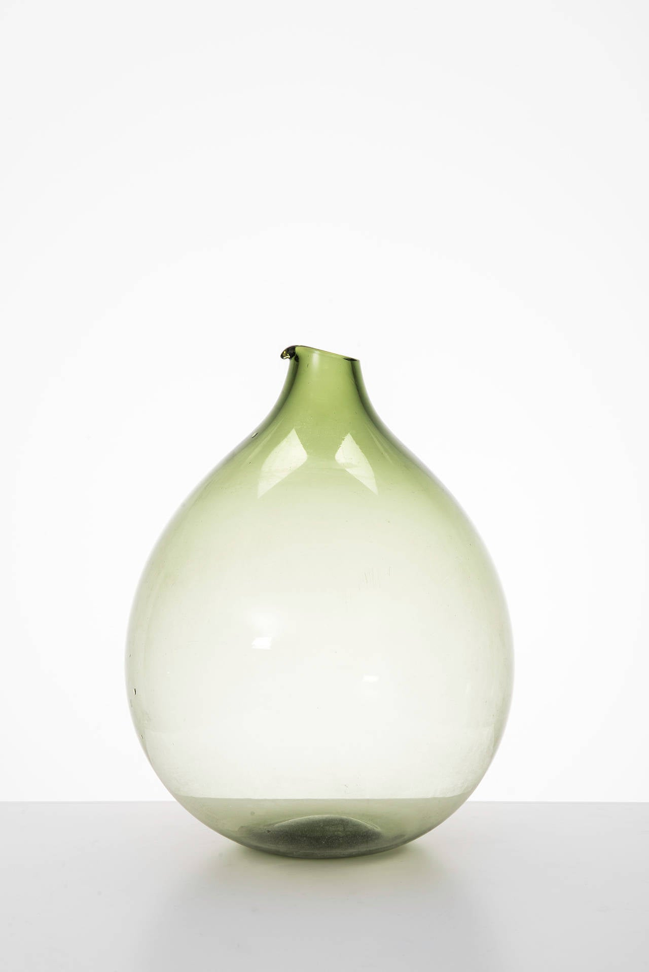 Kjell Blomberg Glass Vase by Gullaskruf in Sweden In Excellent Condition In Malmo, SE