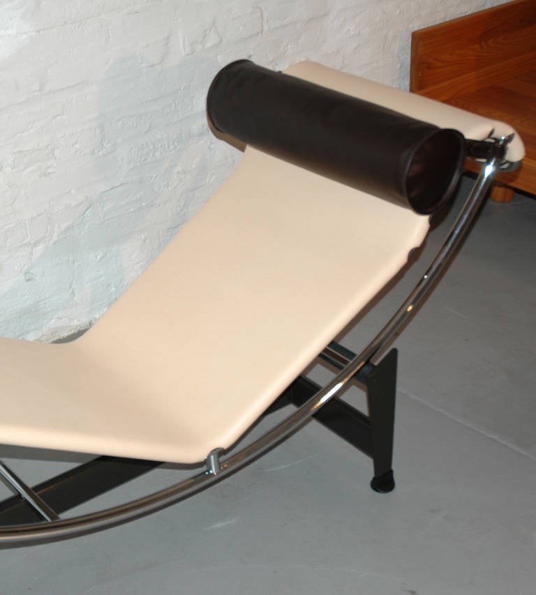 limited lc4 cp chaise longue by le corbusier jeanneret and perriand at 1stdibs. Black Bedroom Furniture Sets. Home Design Ideas