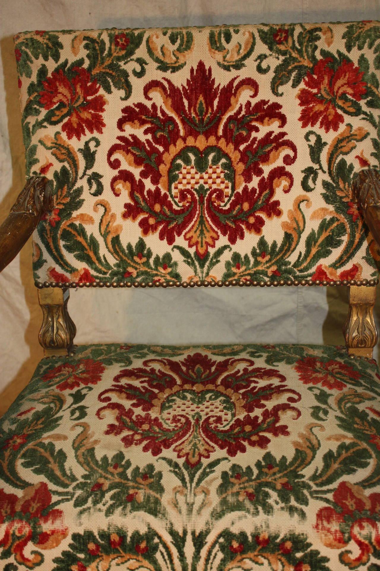 18th Century Italian Giltwood Armchairs For Sale 1
