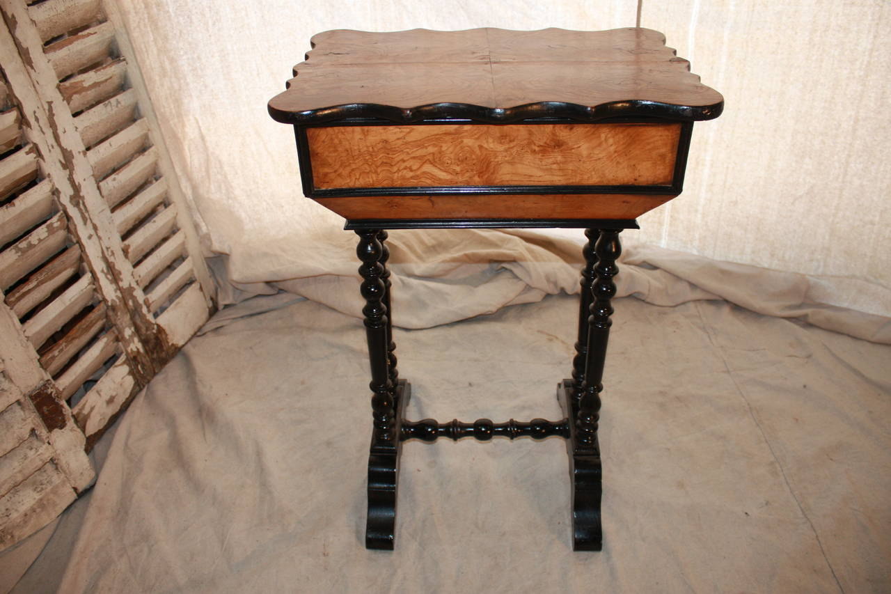 Charming 19th century French side table. The wood is made of burl of walnut, circa 1870. It can be used as a jewelry table.