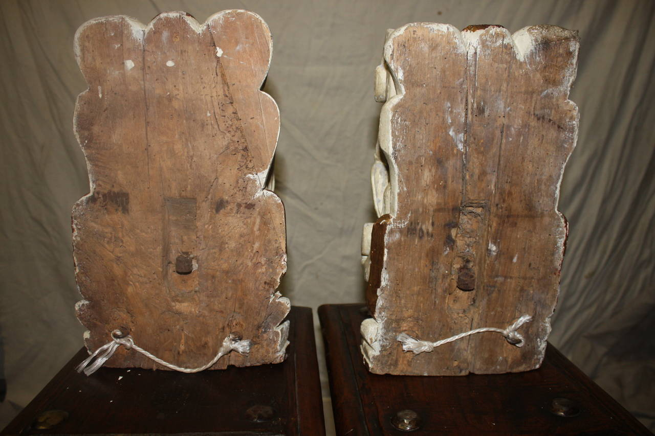 Pair of 18th Century Carved Wall Consoles For Sale 2