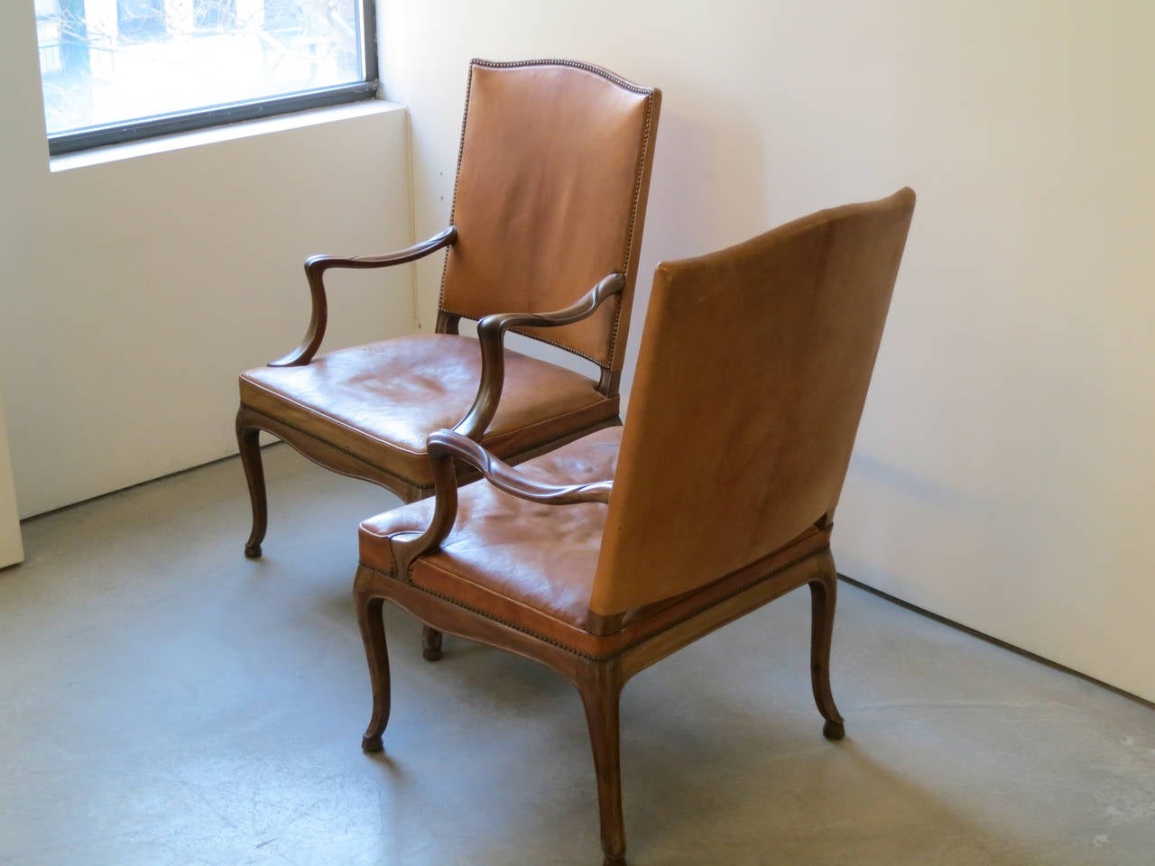 Frits Henningsen Four Large 1930s Armchairs in Danish Rococo Style In Excellent Condition For Sale In New York, NY