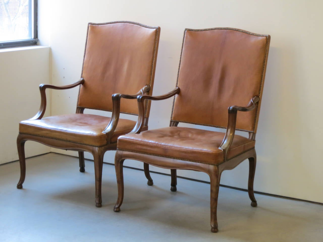 Frits Henningsen Four Large 1930s Armchairs in Danish Rococo Style For Sale 2