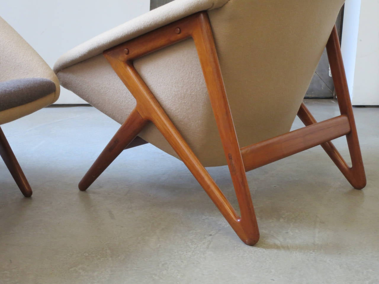 """Wool Pair of """"Tipvogn"""" Chairs by H. Brockmann Petersen For Sale"""