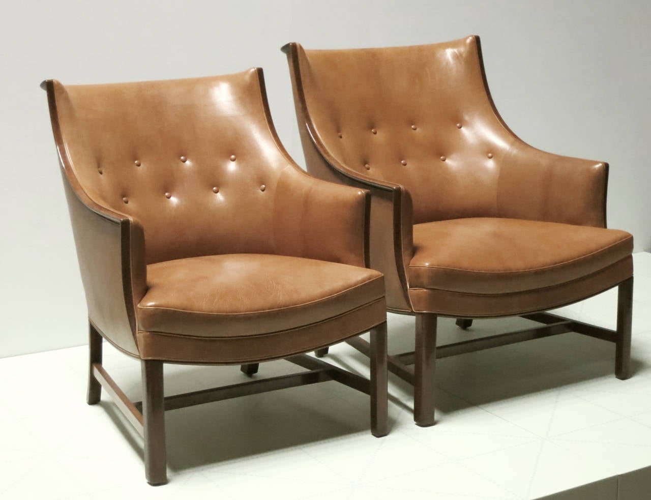 Danish Pair of Refined 1930s Easy Chairs by Frits Henningsen For Sale
