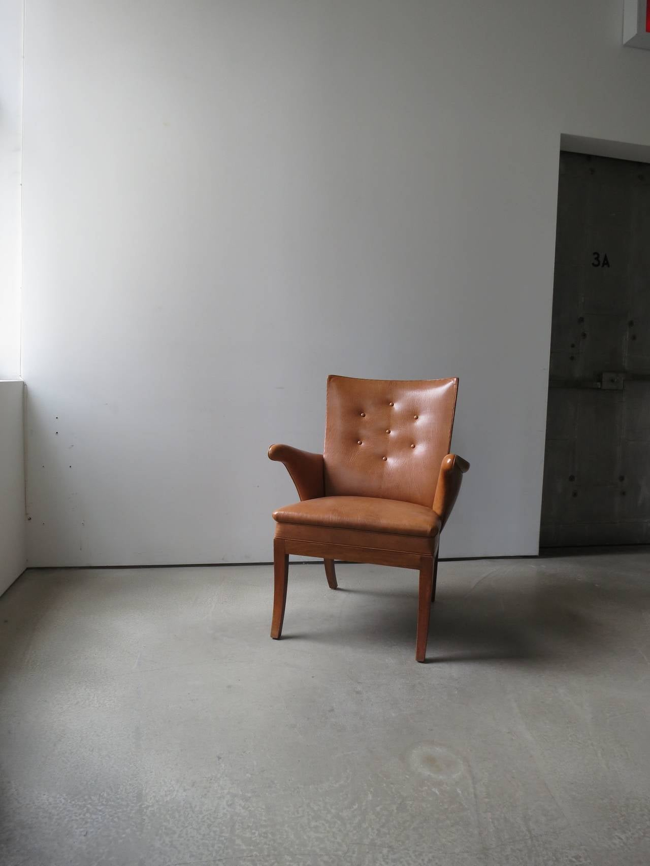Armchair in Nigerian Goatskin by Frits Henningsen, 1930s In Excellent Condition For Sale In New York, NY