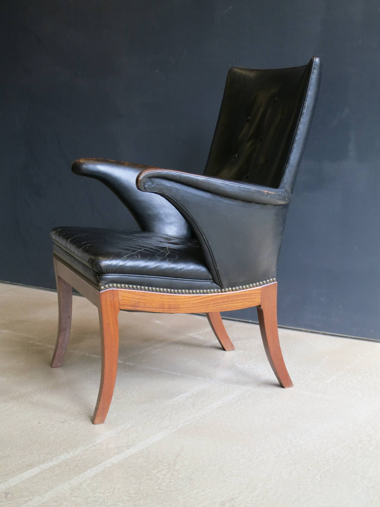 Mid-20th Century Armchair in Original Black-Brown Leather by Frits Henningsen, 1930s For Sale