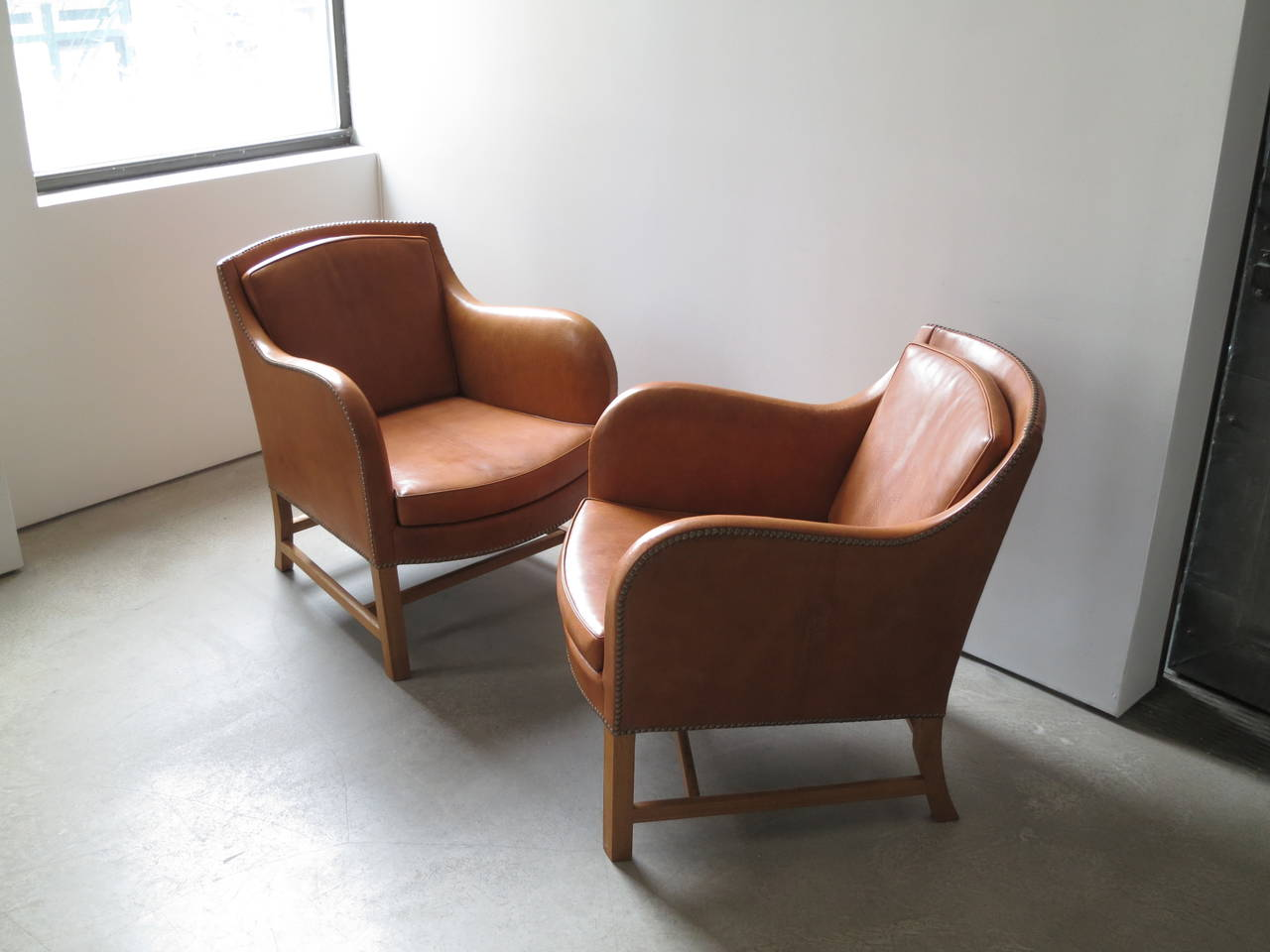 "Danish Pair of ""Mix"" Chairs in Nigerian Goatskin with Brass Nailheads by Kaare Klint For Sale"