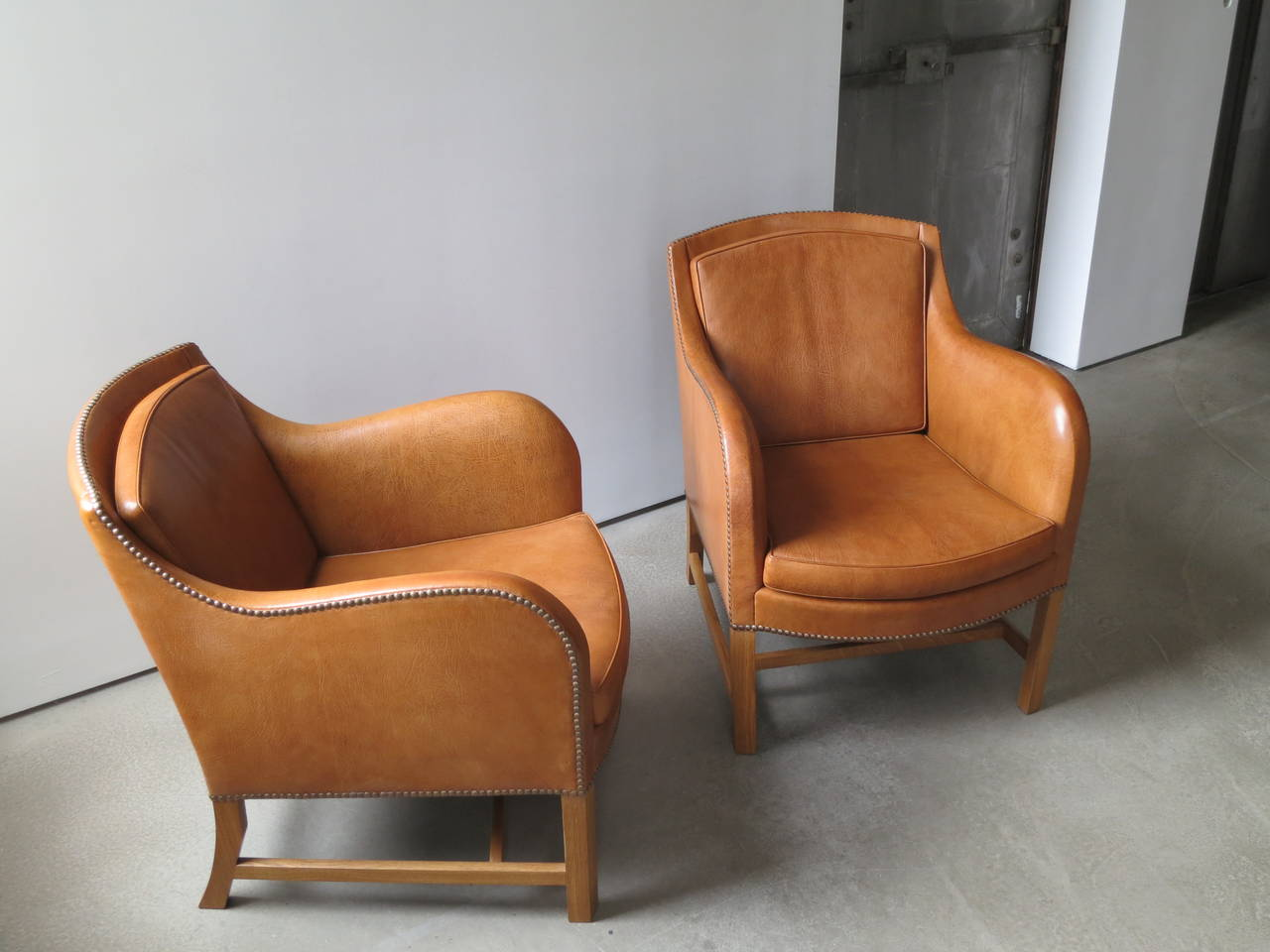 "Pair of ""Mix"" Chairs in Nigerian Goatskin with Brass Nailheads by Kaare Klint For Sale 1"