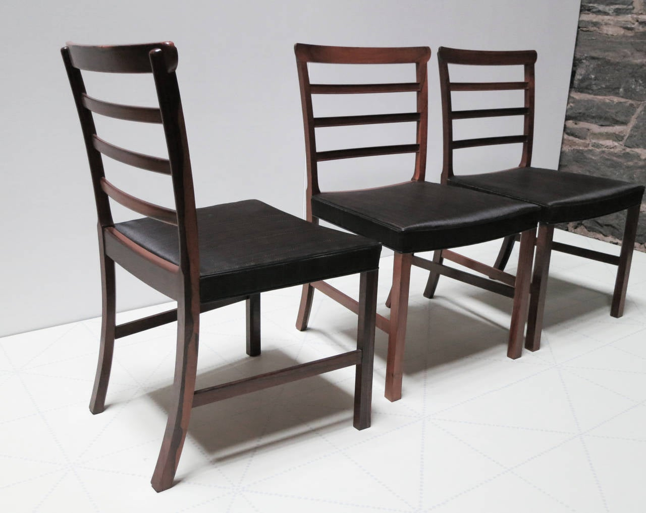 Scandinavian Modern Set of Eight Brazilian Rosewood and Horsehair Dining Chairs by Ole Wanscher For Sale