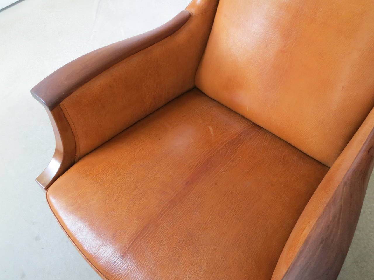 Danish 1930s Wingback Chair in Nigerian Leather and Cuban Mahogany by Frits Henningsen For Sale