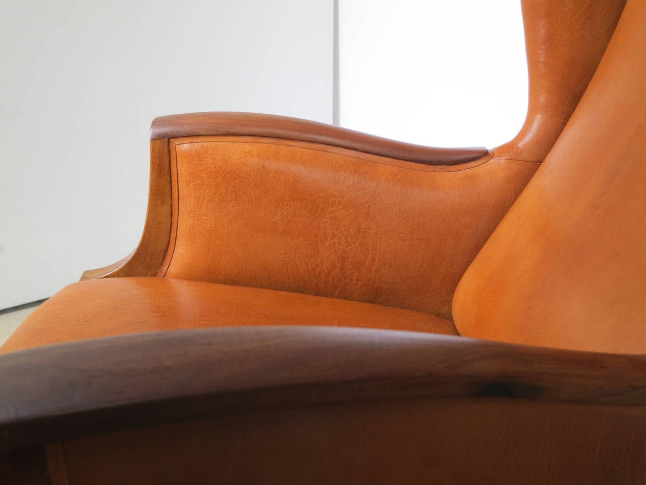 1930s Wingback Chair in Nigerian Leather and Cuban Mahogany by Frits Henningsen In Excellent Condition For Sale In New York, NY