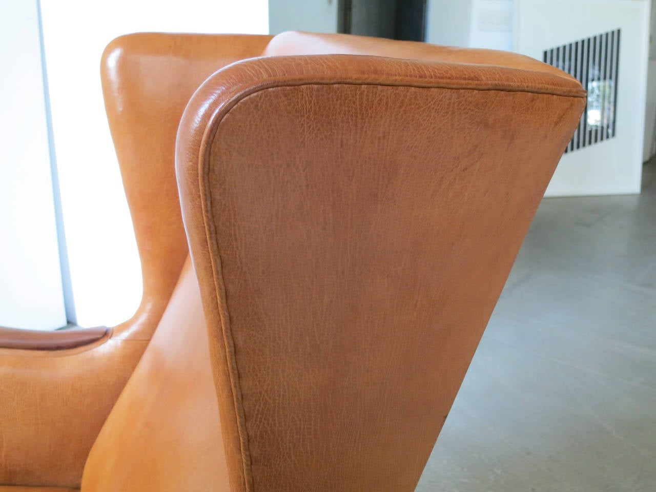 Mid-20th Century 1930s Wingback Chair in Nigerian Leather and Cuban Mahogany by Frits Henningsen For Sale