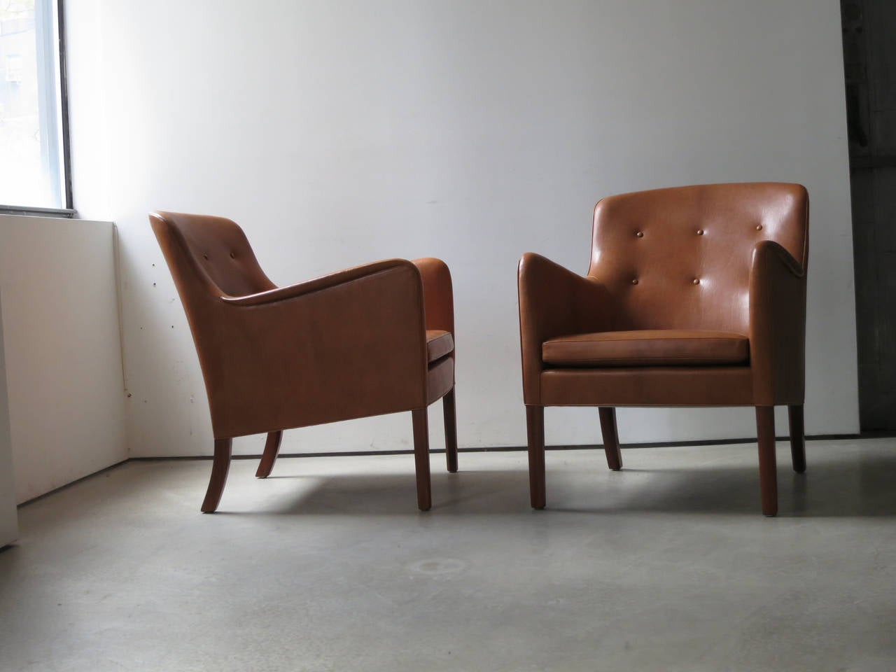 Scandinavian Modern Pair of 1940s Lounge Chairs in Nigerian Leather by Ole Wanscher
