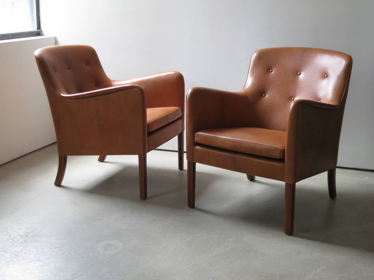 Danish Pair of 1940s Lounge Chairs in Nigerian Leather by Ole Wanscher