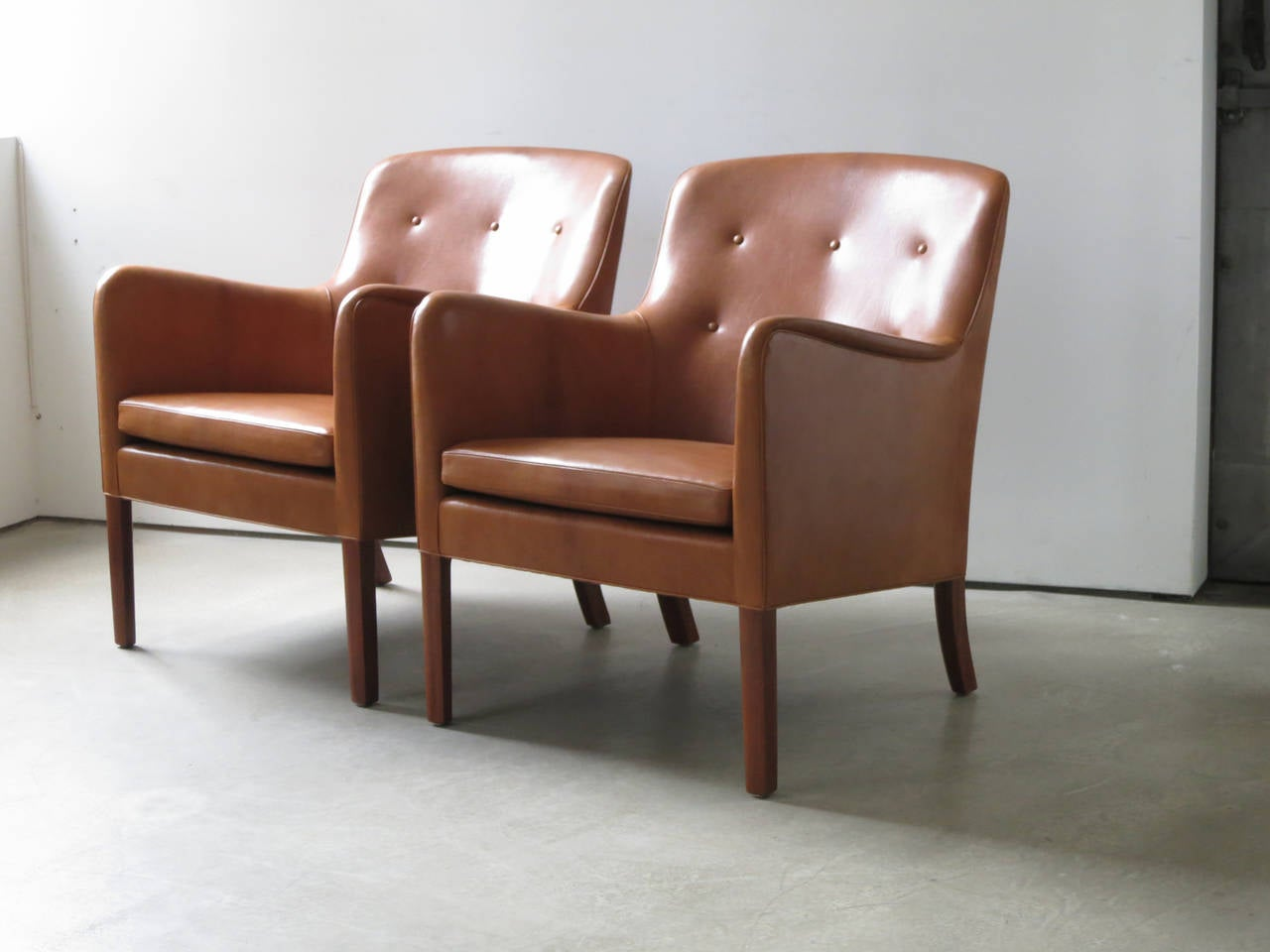 Mid-20th Century Pair of 1940s Lounge Chairs in Nigerian Leather by Ole Wanscher