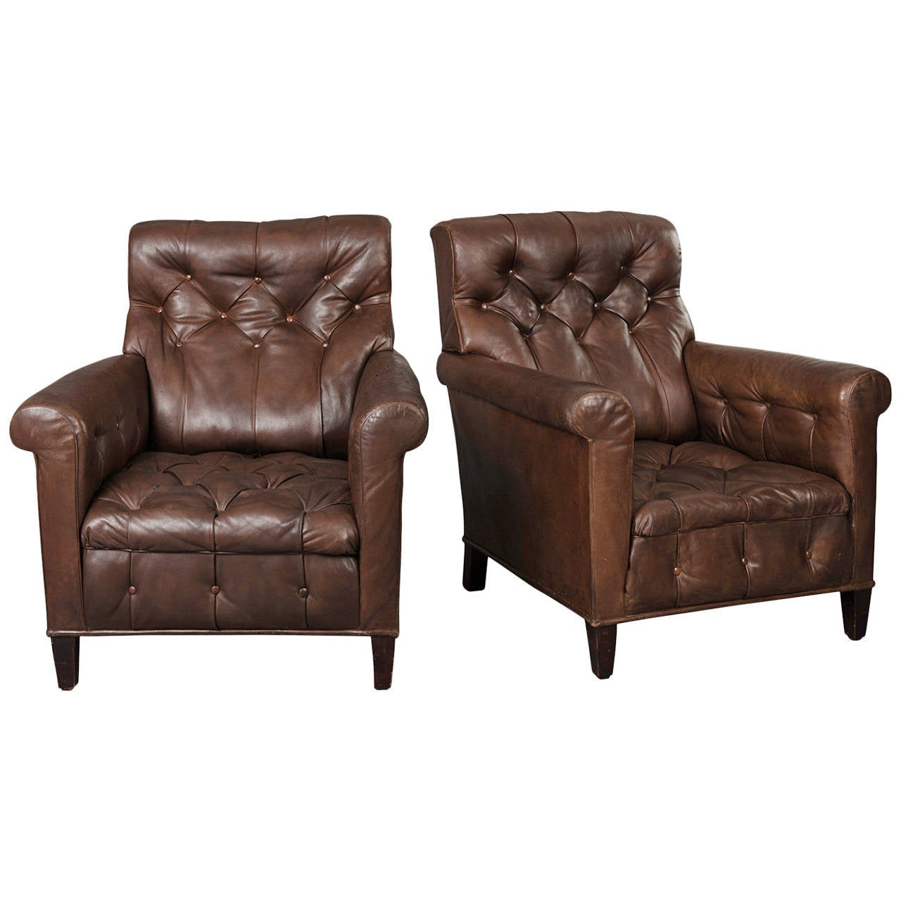 Superbe Pair Of Early 20th Century Tufted Leather Armchairs For Sale