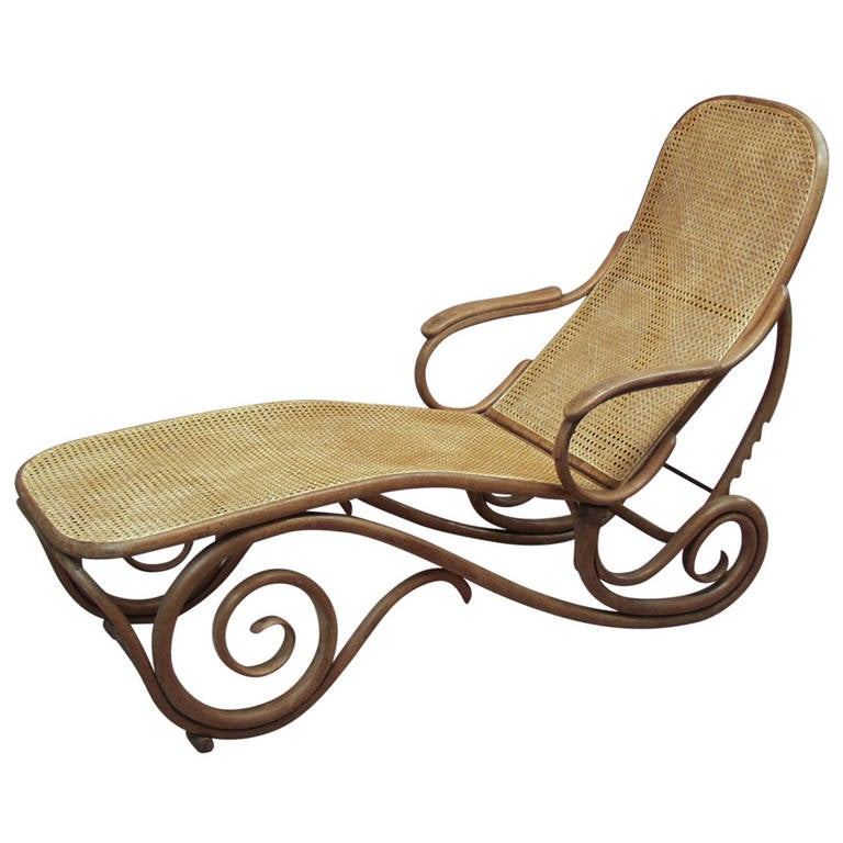 1900 39 s thonet bentwood chaise longue for sale at 1stdibs for Chaise bentwood