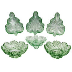 Unusual Suite of Green, Feather Cut William IV Bowls