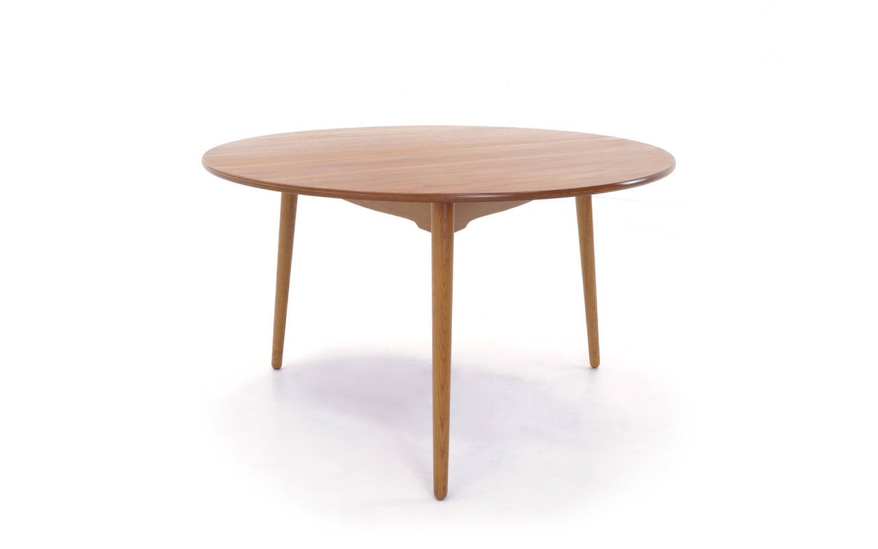 Captivating Round 3 Leg Table Designs