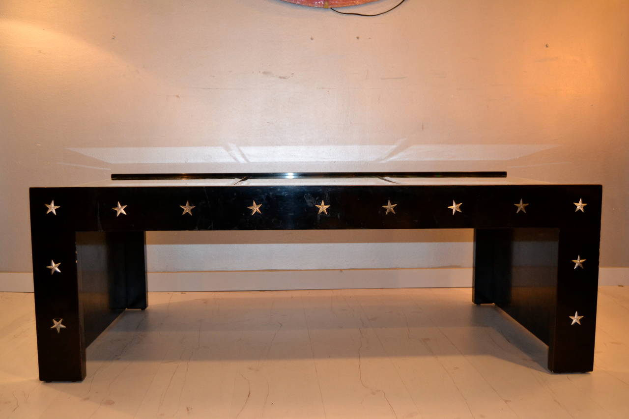1970s Mirrored Coffee Table in the manner of Jansen In Good Condition For Sale In Saint-Ouen, FR