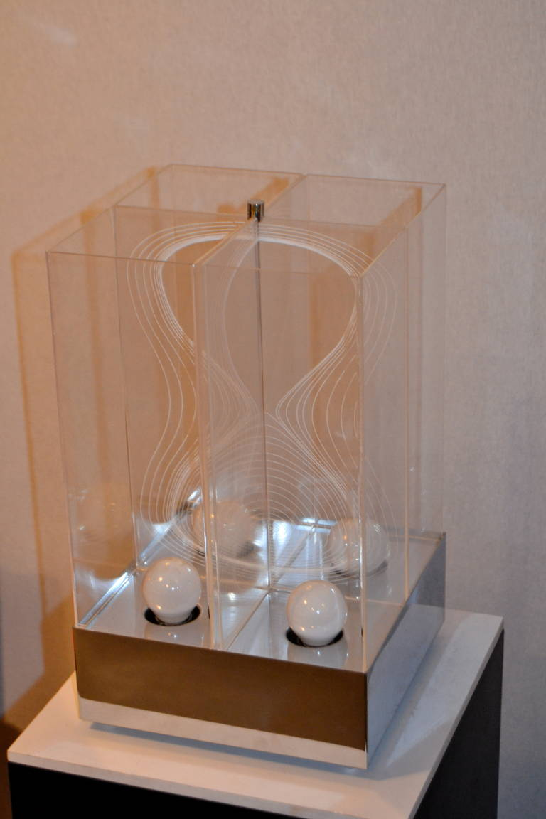 Kinetic Lucite Lamp for Sormani For Sale 5