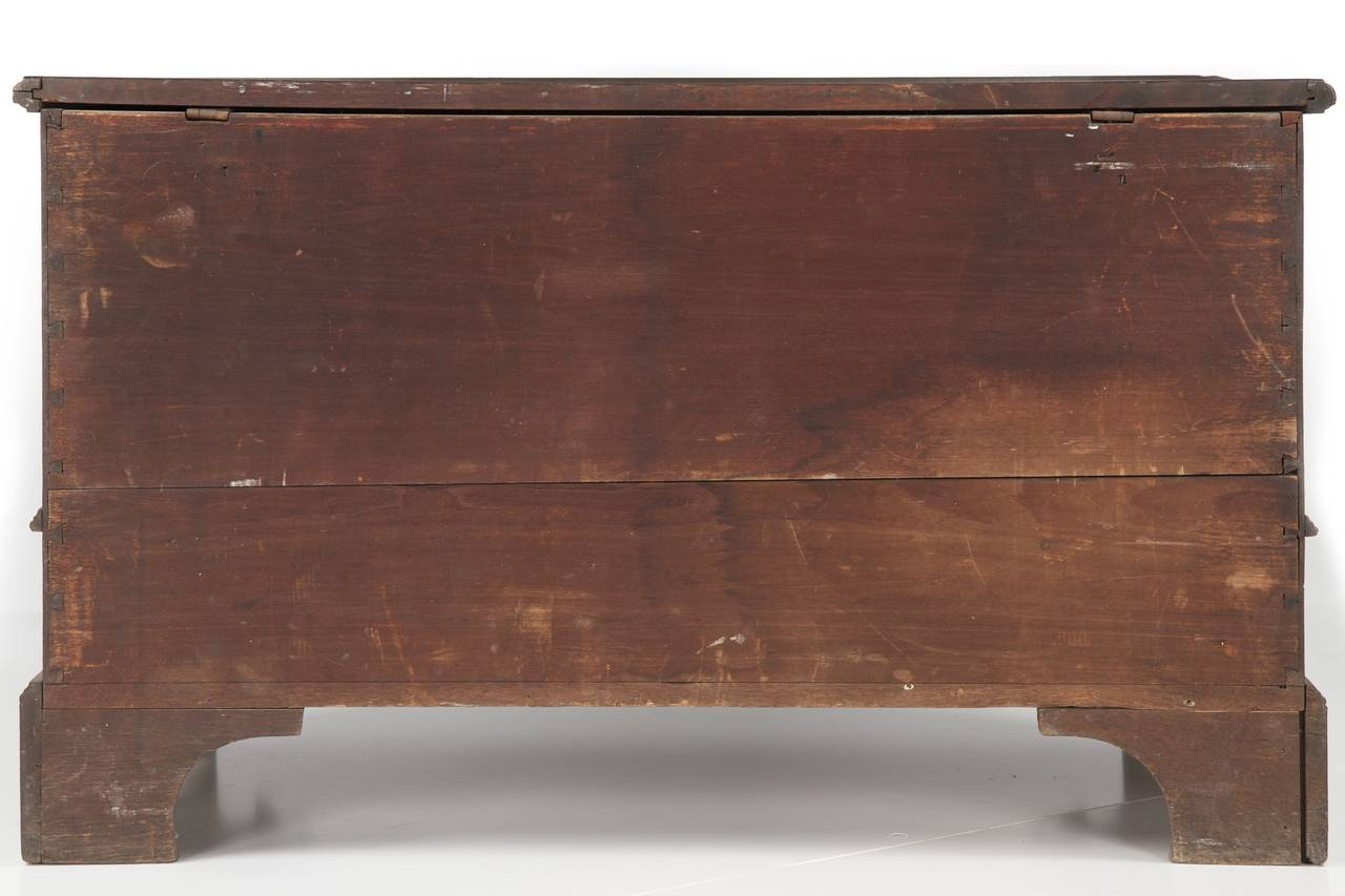 Late 18th Century American Chippendale Antique Blanket Chest of Drawers, Pennsylvania, circa 1780 For Sale