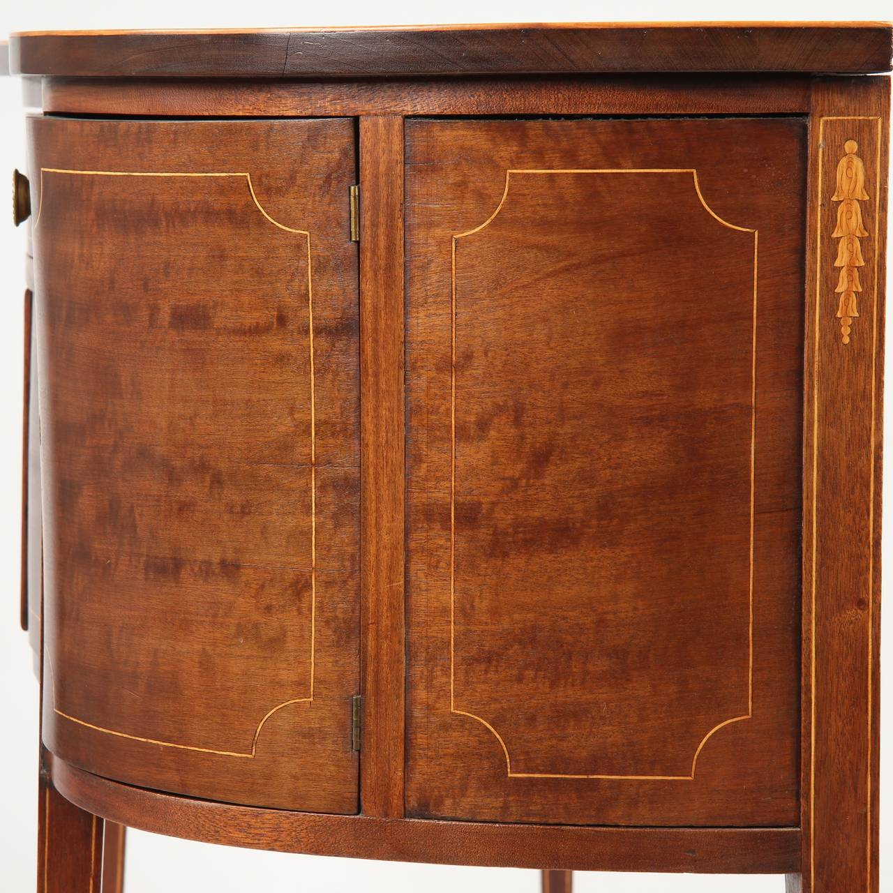 1910 American Furniture Styles: Small American Federal Style Inlaid Sideboard Console C
