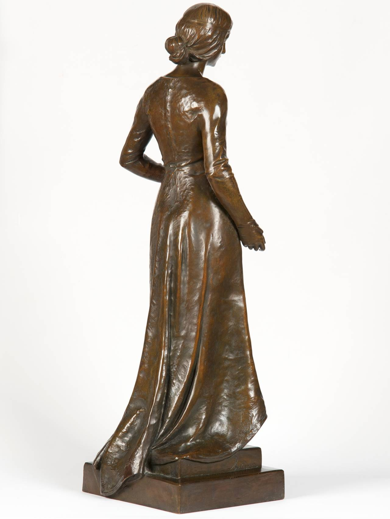Romantic Henri Levasseur Antique French Bronze Sculpture of Maiden with Rosary, 1900