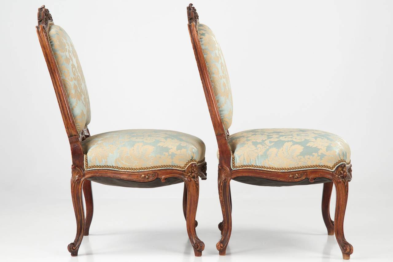 European Pair of French Rococo Revival Antique Walnut Side Chairs, 19th  Century For Sale - Pair Of French Rococo Revival Antique Walnut Side Chairs, 19th