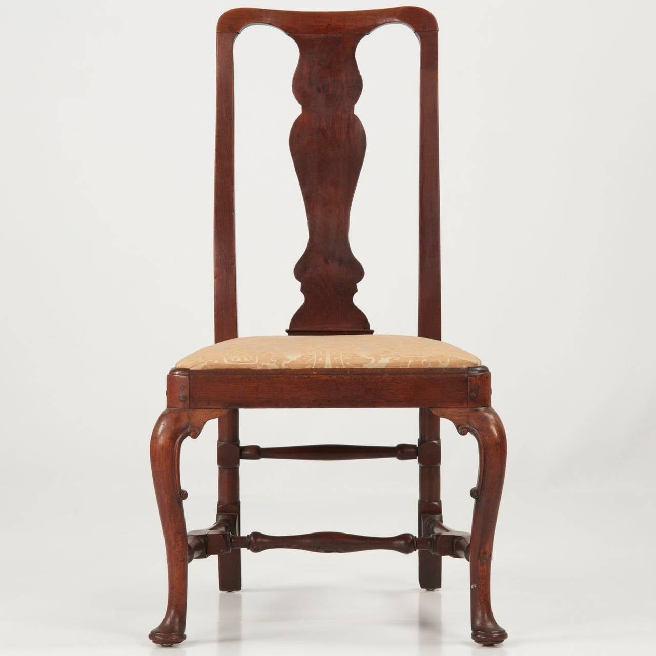 Queen anne walnut antique side chair circa 1725 1740 at for Queen anne furniture