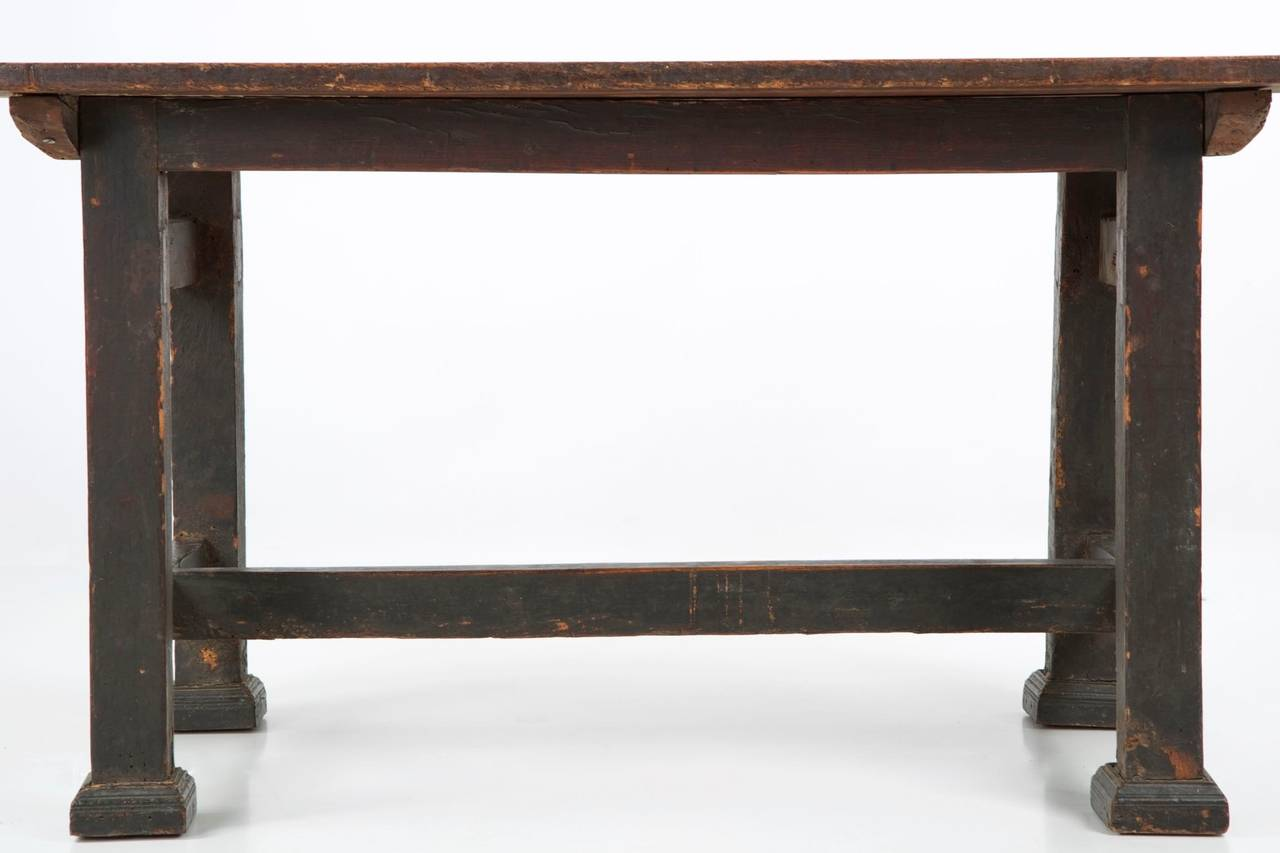 Chippendale walnut antique dining table in swedish for Table th visible